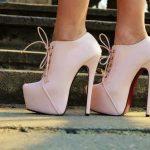 bağcıklı platformlu topuklu ayakkabı