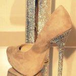 gold taşlı topuk süet ayakkabı