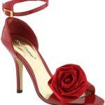 kırmızı üstü gülü ayakkabı modelleri