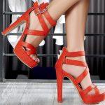kırmızı bantlı bilekten bağlamalı pşlatformlu ayakkabı