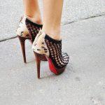 kafesli yüksek topuklu ayakkabı
