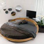 kahve rengi yuvarlak yatak modeli