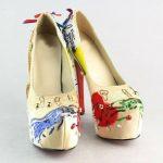 krem rengi eğlenceli ayakkabı modeli