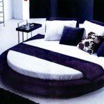lacivert kadife yuvarlak yatak modeli