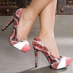renkli yılan derisi görünümde platformlu ayakkabı