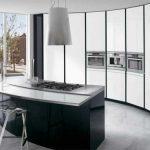 siyah beyaz gömme mutfak dolabı