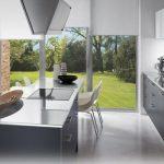 siyah beyaz stil mutfak dolabı