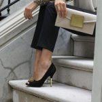 siyah süet gold tokalı ve topuk detaylı ayakkabı
