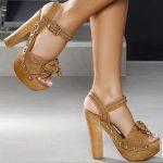 tahta topuklu pşlatformlu ayakkabı modeli