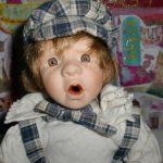 şaşkın porselen bebek modeli