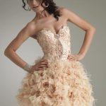 bej ortişli gece elbisesi modeli