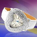 beyaz deri kayış kalp şeklinde taşlı saat