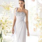 beyaz drapeli gece elbisesi modeli