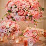 güllerle donatılmış tabak dekorasyon modeli