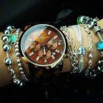 gümüş renkli bileklik ve saat modelleri