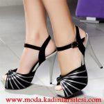 gri siyah platformlu ayakkabı modeli