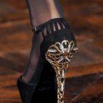 işlemeli topuk kadife ayakkabı modeli