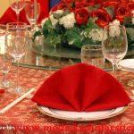 kırmızı beyaz tabak dekorasyon modeli