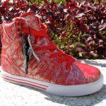 kırmızı bilekli spor ayakkabı modeli
