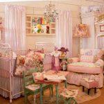 karışık desenli bebek odası modeli