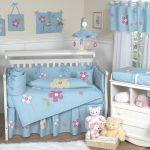 mavi çiçekli erkek bebek odası modeli