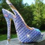 mavi beyaz taşlı dekolteli ayakkabı yeni