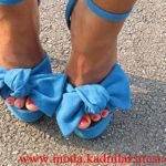 mavi fiyonklu ayakkabı modeli