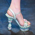 mavi sütunlu ayakkabı modeli
