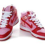nike pembe kırmızı spor ayakkabı modeli