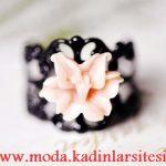 pembe çiçekli yüzük modeli