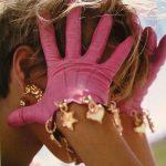 pembe aksesuarlı eldiven modeli