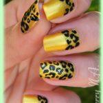 sarı leopar desenli tırnak modeli