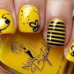 sarı ve siyah renk tırnak modeli