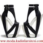 siyah beyaz eğlenceli ayakkabı modeli