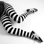 siyah beyz çizgili tayt modeli