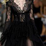 siyah dantelli gece elbisesi modeli