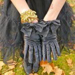 siyah deri fiyonklu eldiven modeli