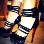 siyah zımbalı bantlı ayakkabı modeli