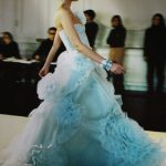 valentino mavi gece elbisesi modeli