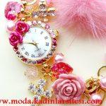 aksesuarlı saat modeli