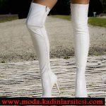 beyaz diz üstü çizme modeli