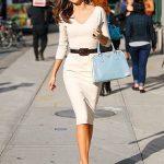 beyaz sade elbise modeli