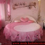 denge figürlü yatak örtüsü modeli