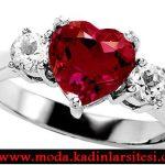 kırmızı kalpli yüzük modeli