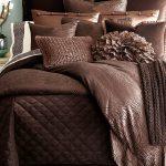 kahve rengi yatak örtüsü modeli