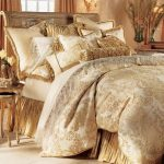 krem beyaz yatak örtüsü modeli