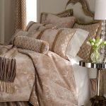 krem kadife yatak örtüsü modeli