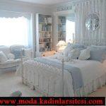 mavi beyaz yatak örtüsü modeli