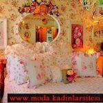 pembe çiçekli yatak örtüsü modeli
