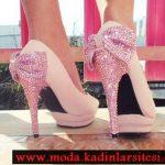 pembe fiyonk detaylı ayakkabı modeli